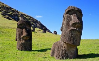 Moai-statues-of-Easter-Island-8